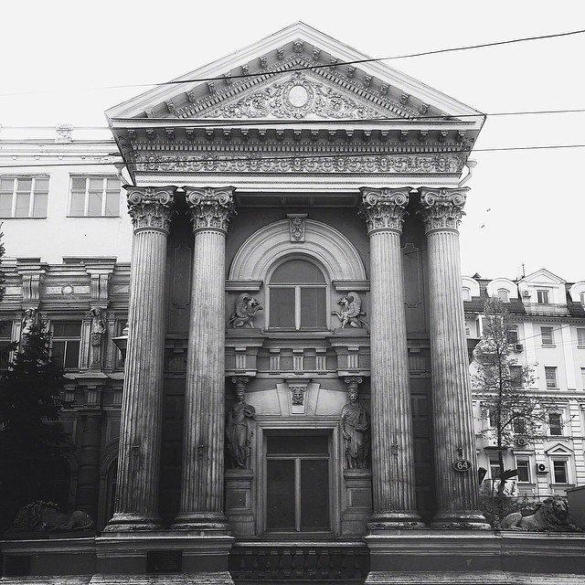 Черно-белая Москва