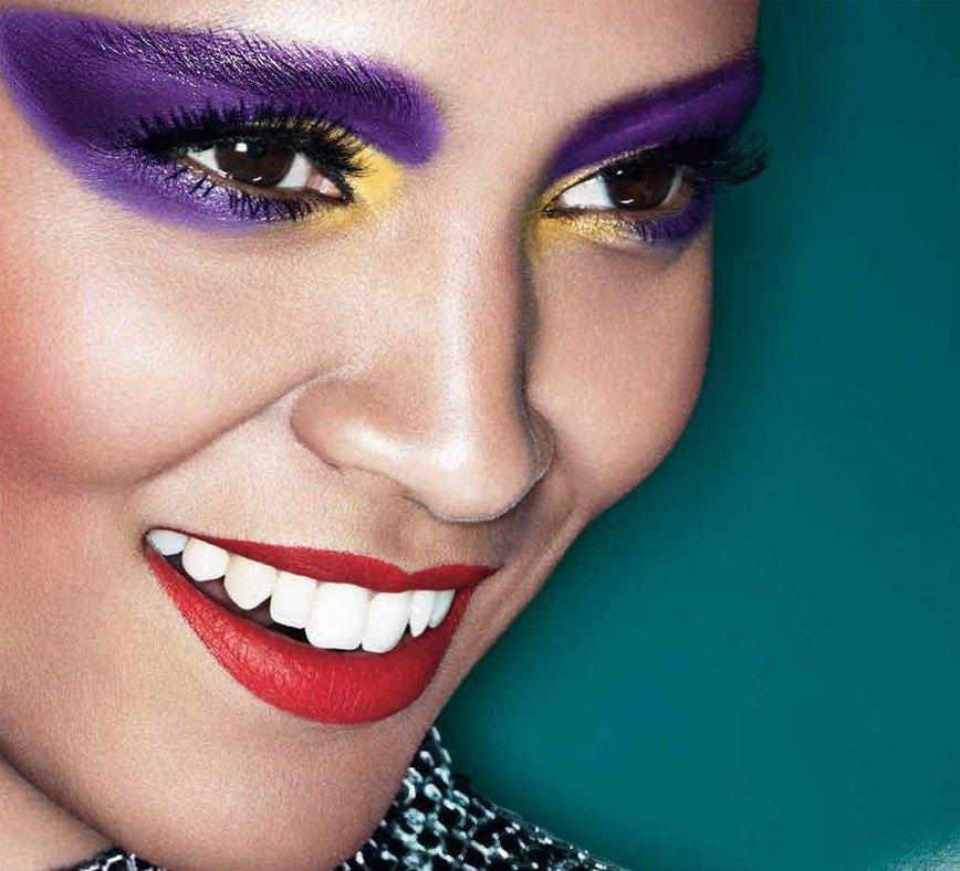 Все цвета радуги: декоративная косметика ярких оттенков