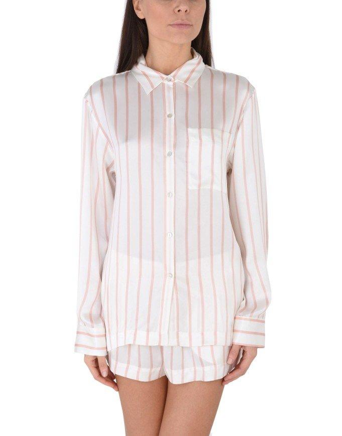 Хватит спать: идеальные пижамы для выхода на улицу