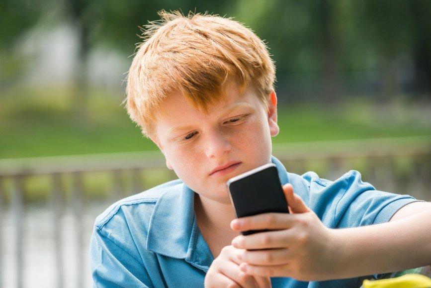 Если ребенок просит смартфон: включаем родительский контроль