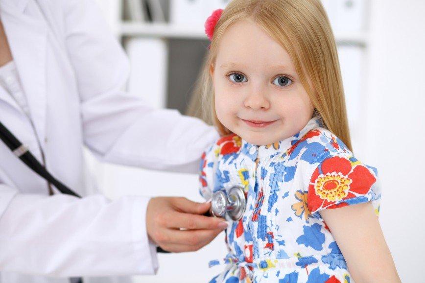 Детское здоровье: что можно и нельзя лечить летом?