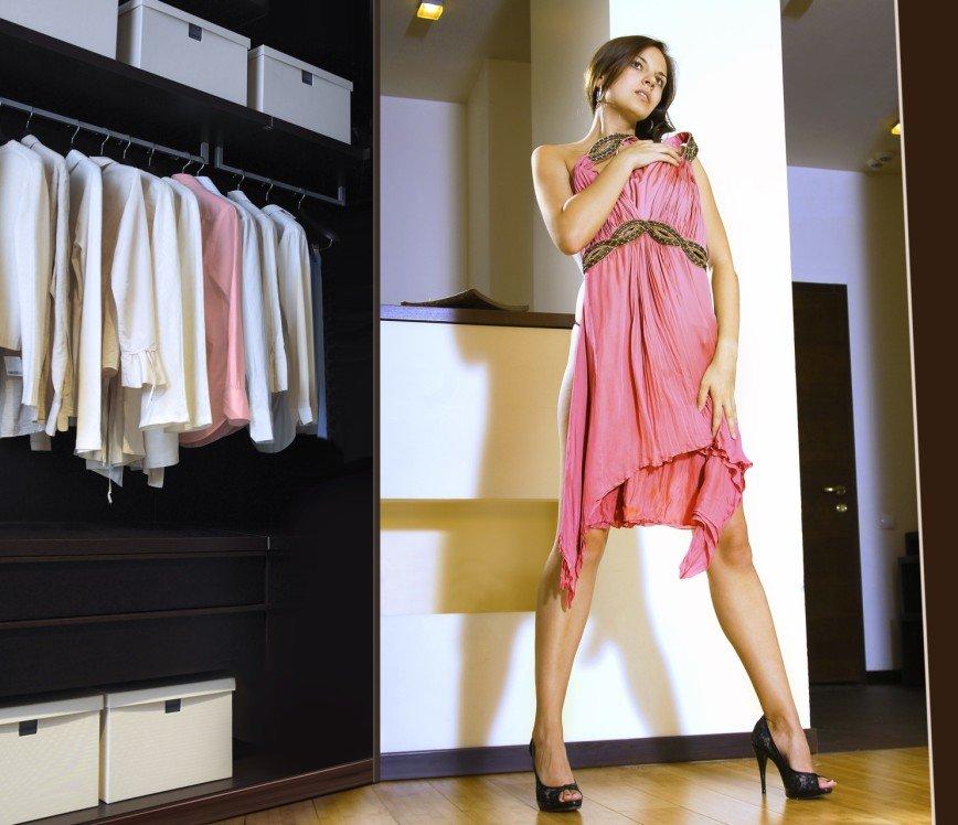 ШОК-Sale: обновляем гардероб со скидками от 70%: Ожидается, что на этот раз участие в ней примут ведущие мировых и российские брендов: Armani, Baldinini, Fabi, Ralf Ringer, Valentino,