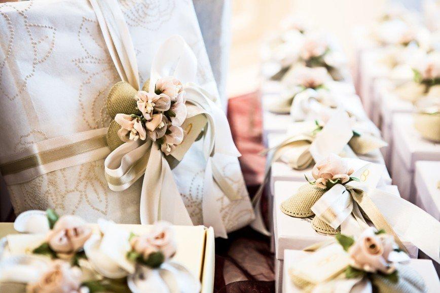 В белом не приходить: правила поведения гостей на венчании
