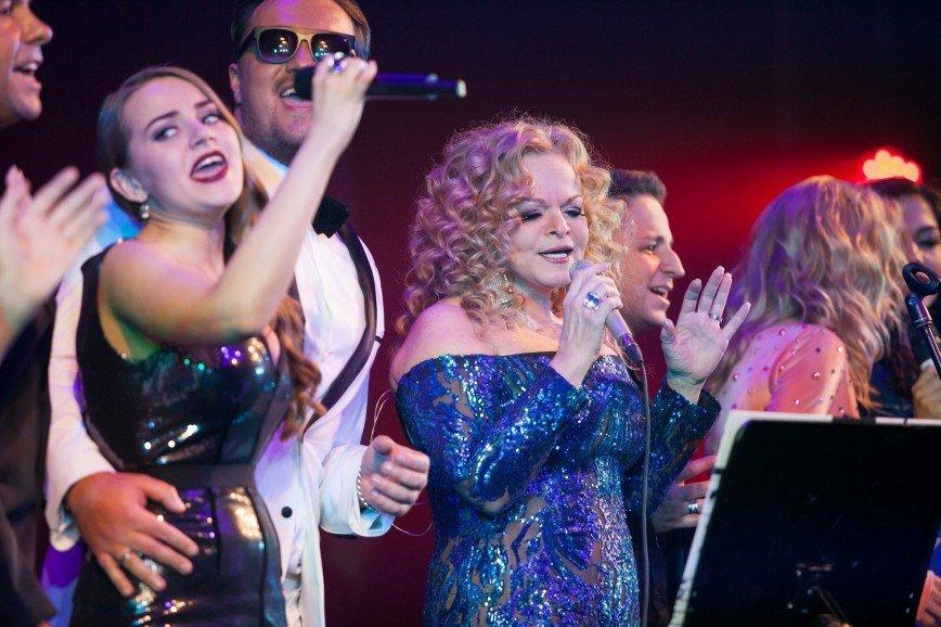 Артисты шоу «Голос» и звезды споют вместе ради детей