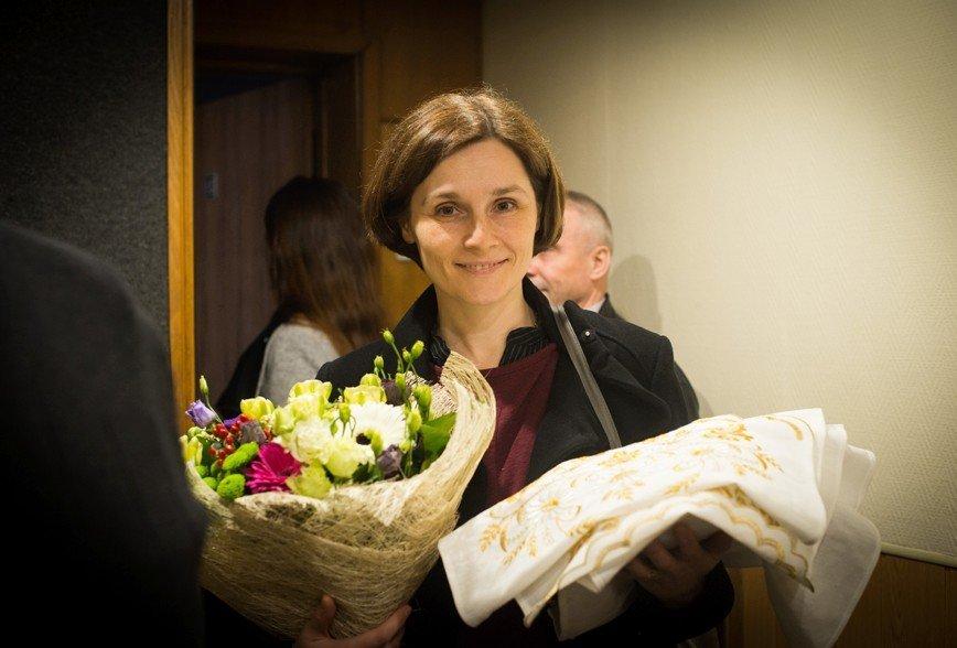 Жена Охлобыстина отметила 44-летие без макияжа