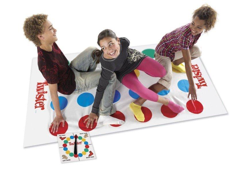 Психолог Лариса Суркова рассуждает о важности играть всей семьей