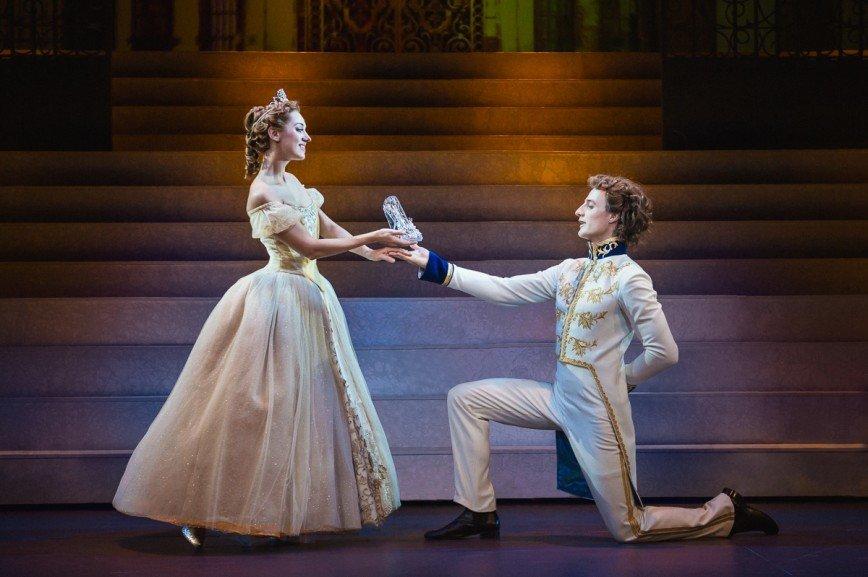 Выходи за меня: как сделать предложение на сцене театра «Россия»?