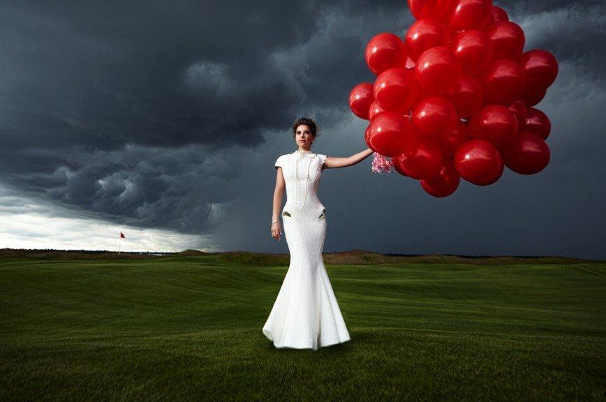 Галина Юдашкина представила свадебные платья своего отца, сидя в ванной