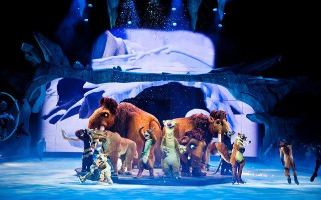 Звезды с детьми на премьере шоу «Ледниковый период LIVE!»
