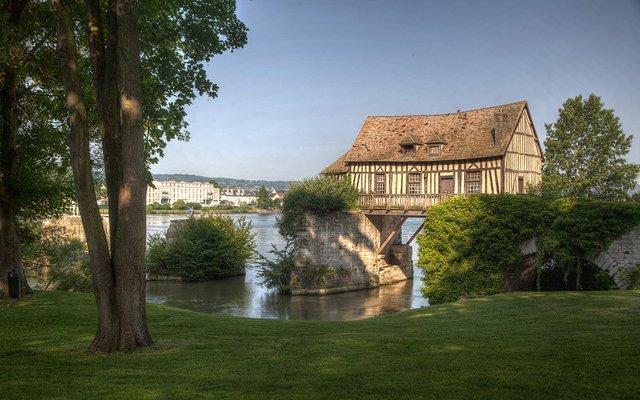 Нормандия: город Вернон и Замок Шато-Гайар