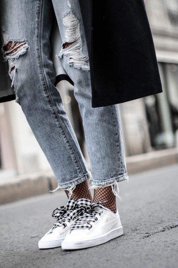 С корабля на бал: кроссовки не выходят из моды