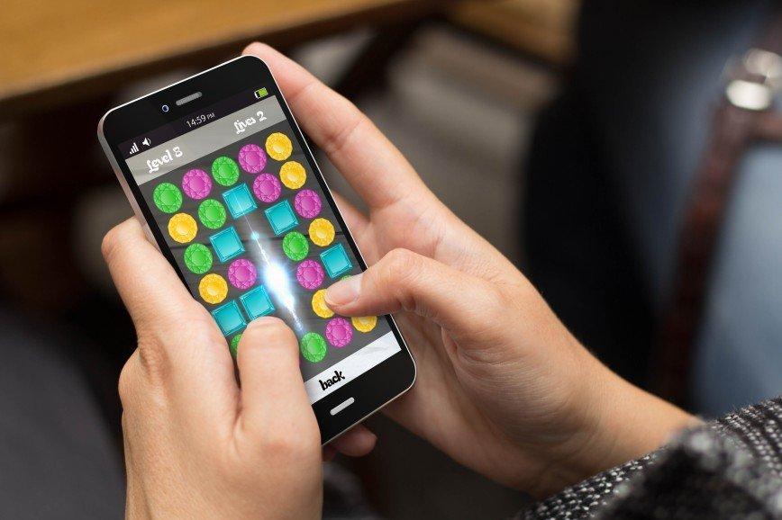 Игры в телефоне, от которых зависимы женщины 30+