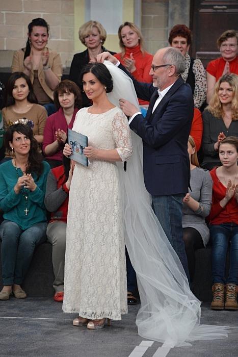 дочь стриженова выходит замуж деревянного плинтуса