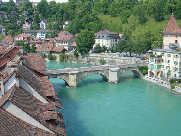 Берн, вид  с моста.