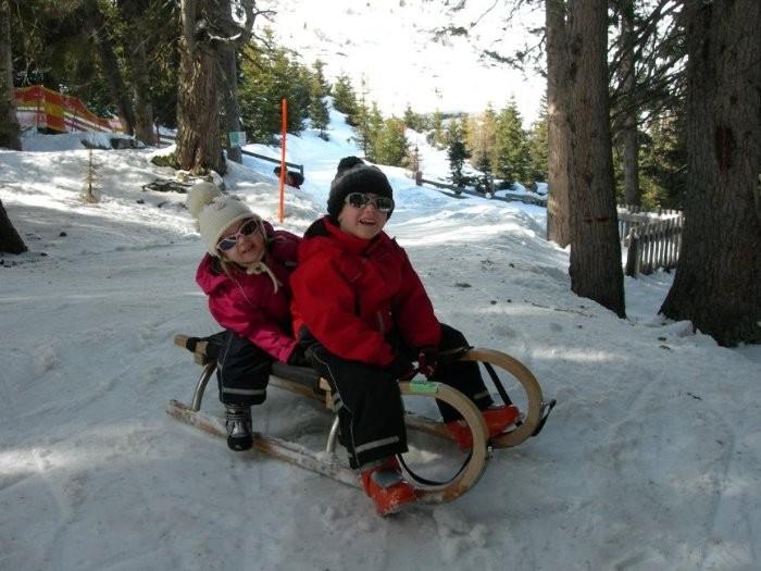 лыжи пошли не всем, зато пошли санки
