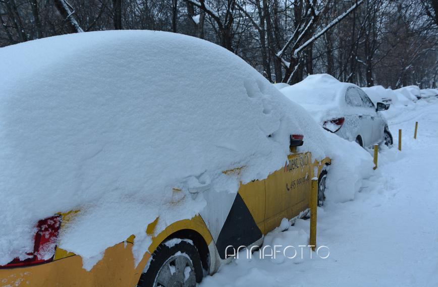 Автор: Аnnafottо  , Фотозал: Родные просторы, Давай на такси!  Снежный день в Москве