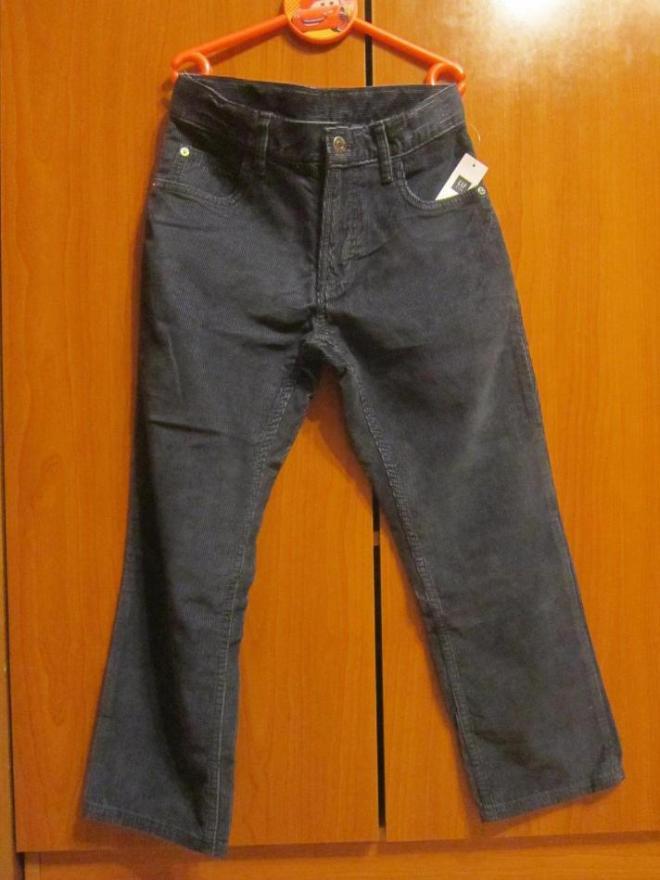 Новые синие  вельветовые штаны GAP, размер 8 лет, регулировка объема талии на резинке, цена 800 руб.