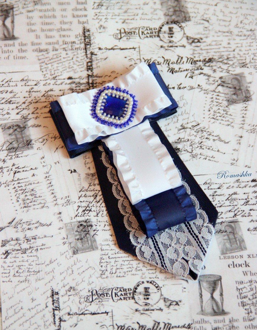 """Автор: Marina_79, Фотозал: Мое хобби, Брошь-галстук """"Ученица"""" ждет свою хозяйку"""