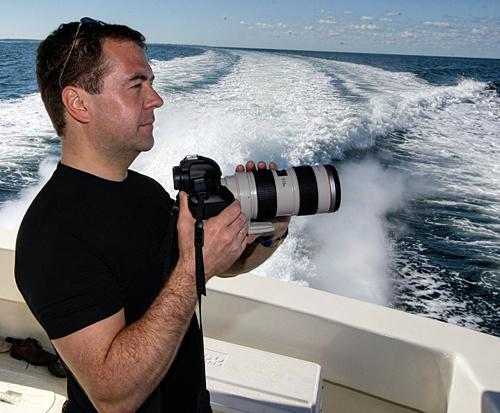 Дмитрий Медведев фотографирует