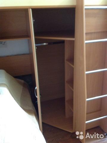 Лестница и шкаф