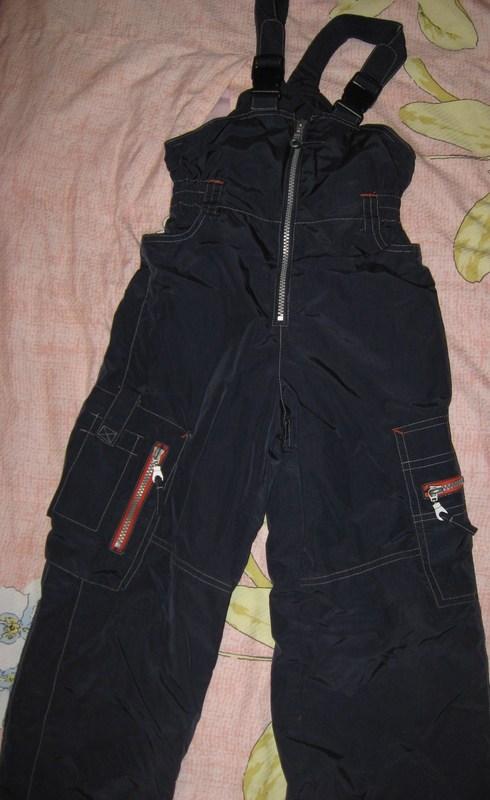ПРОДАНО --- Тиллсон 116(+6)утепленный (весна-осень), длина внутреннего шва штанины около 51 см. Состояние отличное. 1000 руб (при дополнительной покупке возможен торг) При покупке вместе комплектом Тиллсон - скидка.
