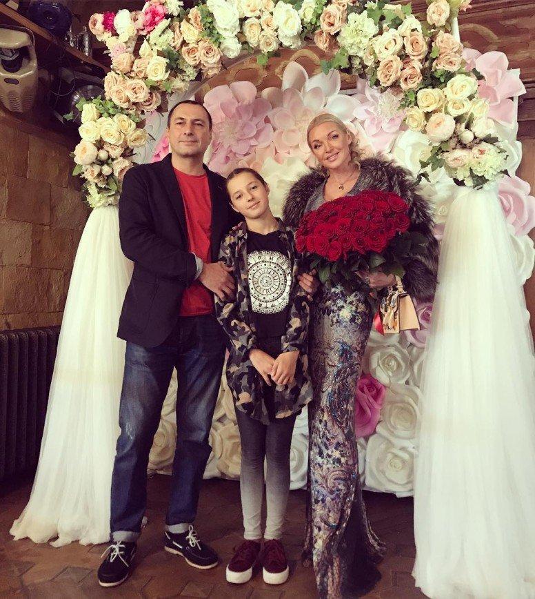 """""""Клуб бывших жен"""": на день рождения дочери Волочковой собрались все супруги Вдовина"""