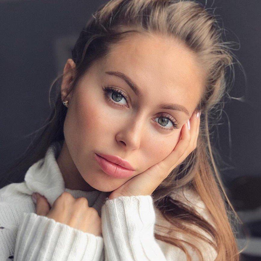 «Русская Анжелина Джоли» показала, как она выглядела в детстве