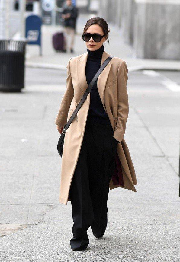 Семья поддерживает Викторию Бекхэм на Неделе моды в Нью-Йорке