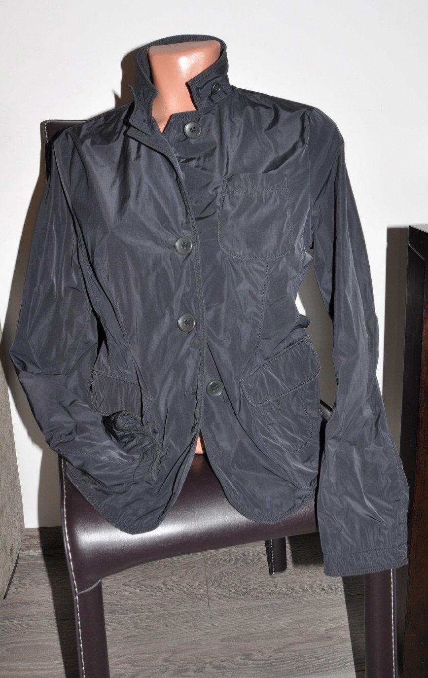 Огромный пакет вещей и лето и зима. Я поправилась, решила разобрать гардеробную, получился огромный пакет вещей, многое известных дорогих брендов. Что тообычные ТЦ, марки типа zara,benetton,morgan. Есть что то новое. Шапки, палантины. Фотографии не всего. Джинсы 26р dl1961 стрейч темно-синие, носила совсем немного, куплены в ЦУМЕ за 7000р. Спортивные вещи danza, моя любимая марка на отдых. Платья missoni (лето сарафан), morgan, zaraб джинс topshop. Футболки майки pinko, dkny, missoni и т.п. Трикотаж francesco drei zara hm. Юбка джинс parasuko cult. Куртка пиджак демисезонная mabrun, покупала за 15000р, сейчас эта марка от 30000р. За весь пакет 5000р. Примерок не устраиваю. Основная часть вещей в идеале, что то совсем новое, т.к. очень много всего.
