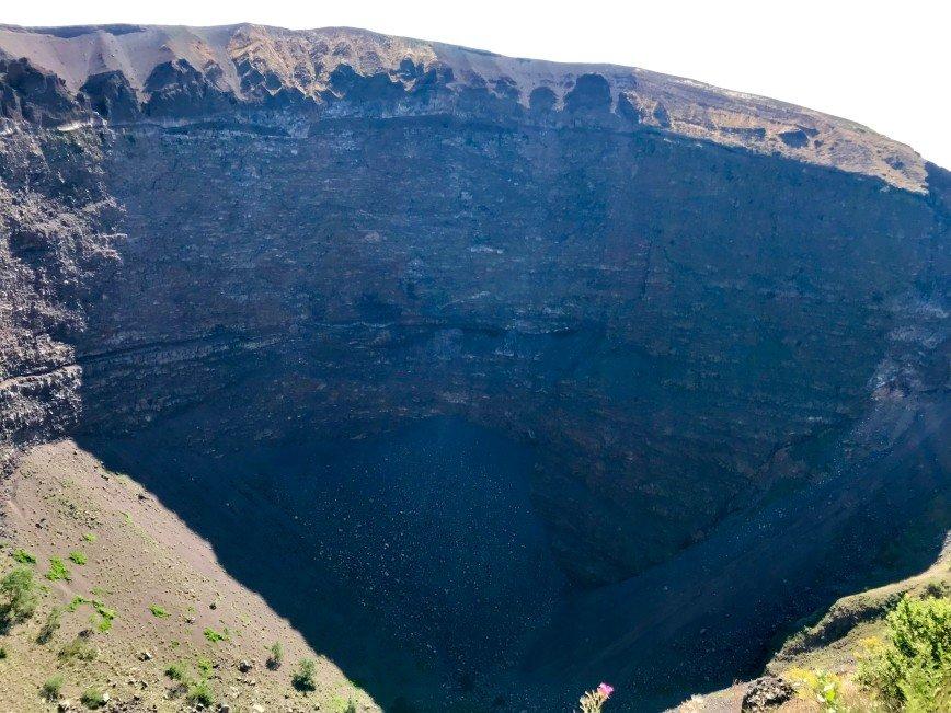Автор: phonix, Фотозал: Туристические зарисовки, кратер вулкана Везувий