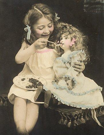 Ретро фото, дети и куклы