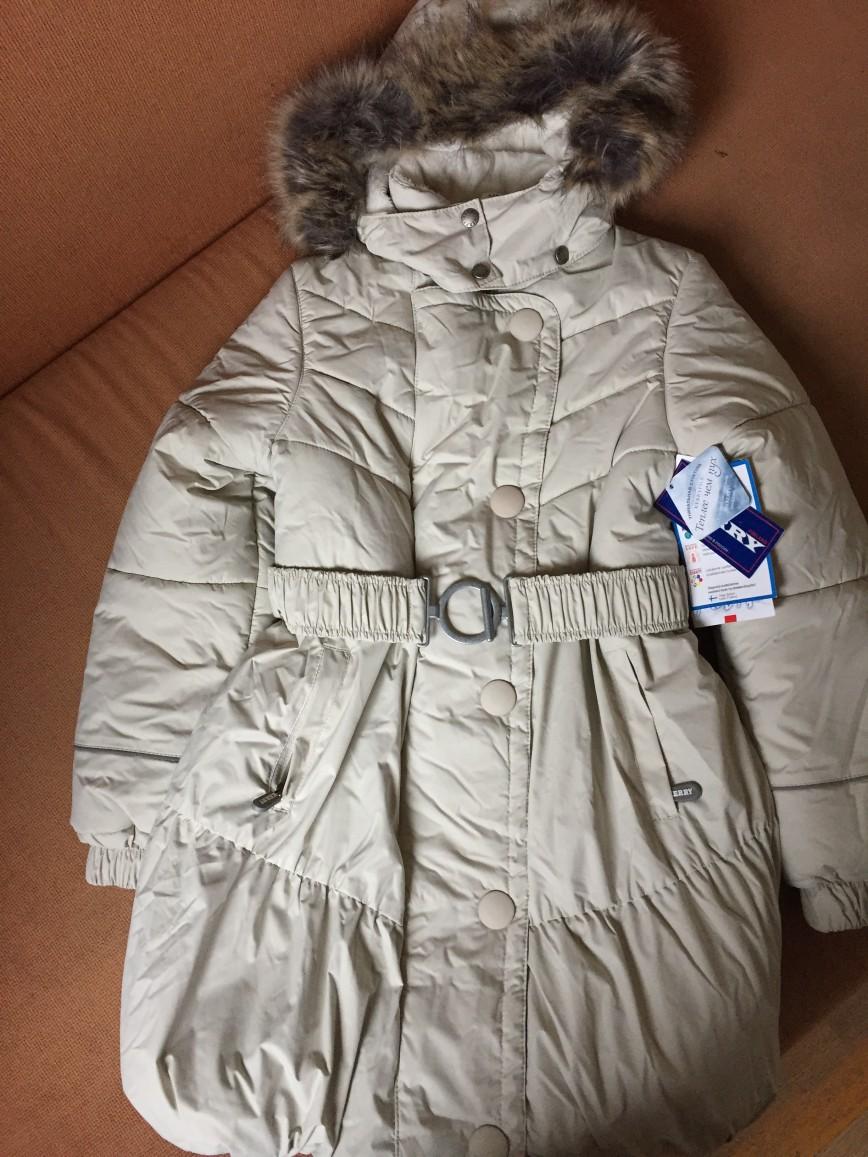 Пальто керри новое, рост 140, 7000р небольшой торг.