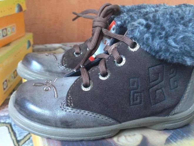 НОВЫЕ ботиночки суперфит 25рр по стельке 15,5см, кожа/текстиль, суперлегкие и красивые купила на распродаже, поэтому продаю за 2700р.