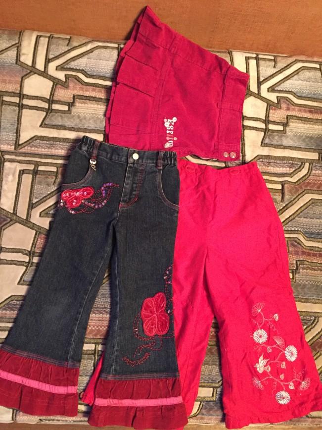 Джинсы памполина, не носили, только постирала, юбка вельвет эсприт, брюки красные мазекеа, на хлопковой трикотажной подкладке, все 98р. разгружаю шкафы, отдаю все за копейки по нынешним временам, если нужно еще что- то конкретное для девочек, пишите, спрашивайте, вышлю фото! 1000р