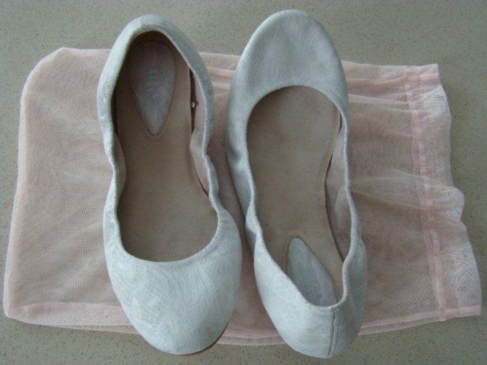 BLOCH (оригинал)новые балетки -must have.р.38,5. натур.кожа/кожа.Легендарная фирма по производству танцевальной и балетной обуви. Привезены из Америки. 5500