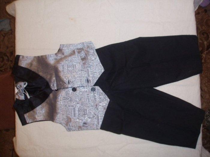 праздничный костюм.на Ростовку 92 Одет 2 раза. Жилетка, брюки, бабочка. Цена 500руб.
