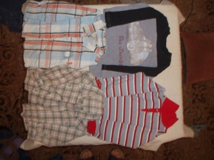 Лот состоит из 1. Рубашка плей тудей синяя клетка на х/б. подкладке. Цена 200руб. 2. Рубашка зеленая клетка тонкая ткань на падобии байки 150руб. 3. Красная  футболка полло 100руб. 4. Серая футболка с наклейкой из Тачек 50руб. Все вместе отдам за 400руб. ПРОДАНО