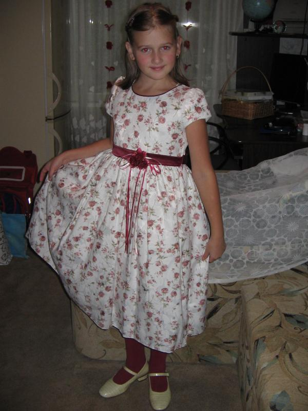Дочка Наденька, 9 лет