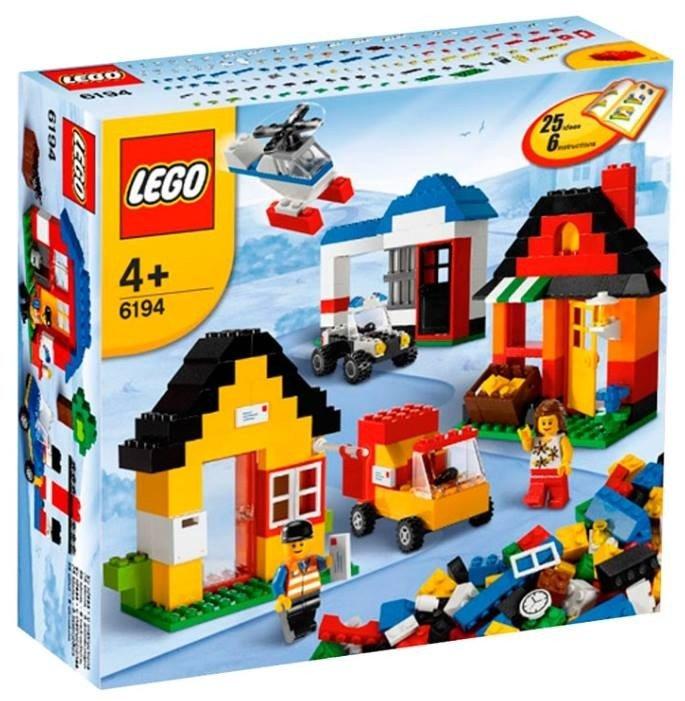 Конструктор LEGO 6194 Мой Лего-Город. 516 деталей. Возраст 4+. Новая коробка, не вскрывали. Конструктора нет в продаже (снят с производства). 2500 р.