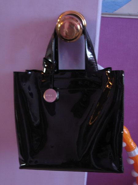 Кожаная лаковая сумка хлоя