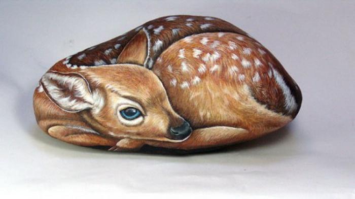 Забавные животные на камне от Эрнестины Галлины