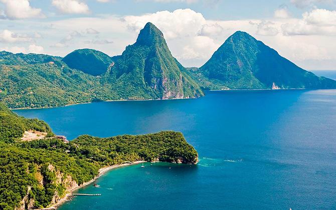 Красивейшие места мира: В середине списка самых красивых мест планеты находится Сент Люсия, роскошный тропический остров и одноименная страна, входящая в состав Карибского