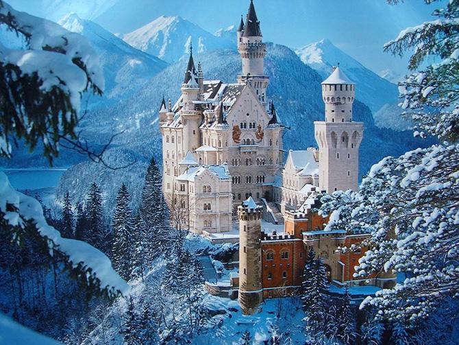 Красивейшие места мира: Попал в наш список и представитель многочисленных замков мира, один из красивейших замков Германии — Нойшванштайн. Величественный замок королей, больше