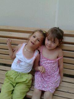 Диана с Алисой (внучкой Иры Ждановой)