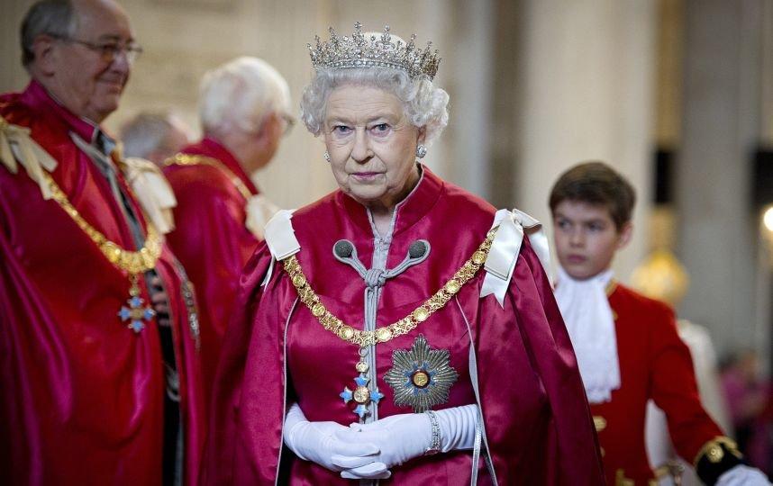 СМИ: Королева Елизавета откажется от престола в пользу Уильяма