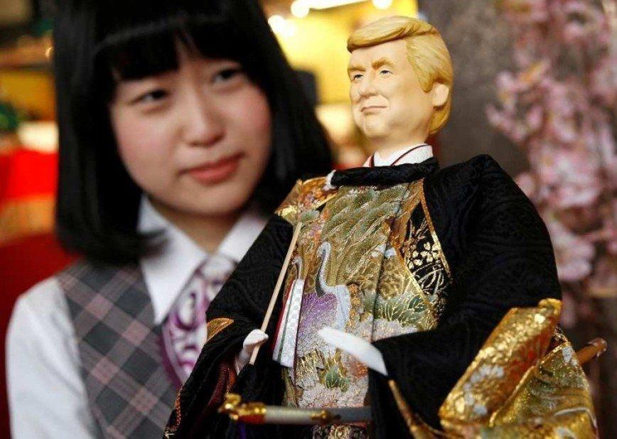 Трамп в кимоно стал куклой