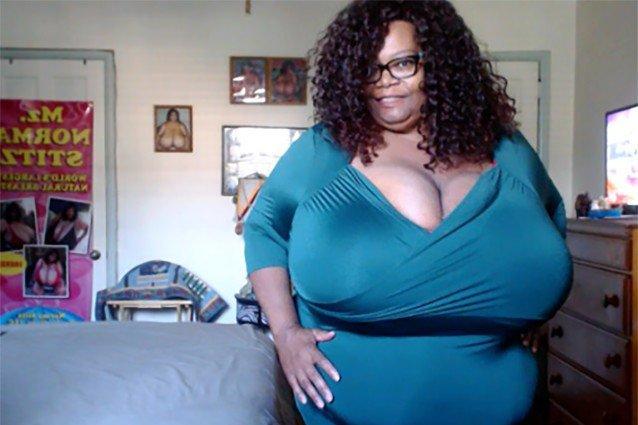 Натуральными африканки с дойками огромными