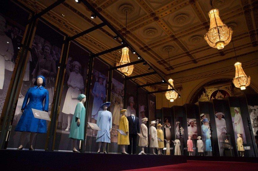 Свадебное платье Елизаветы II можно увидеть в Лондоне