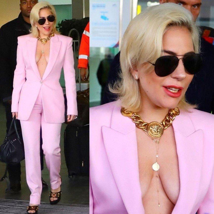 «Такую грудь лучше прятать»: Леди Гага вышла в свет в пиджаке на голое тело