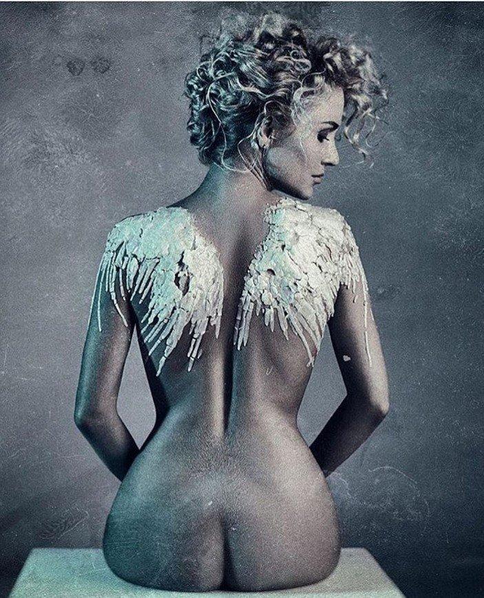 Катя Гордон снялась обнаженной для обложки альбома: